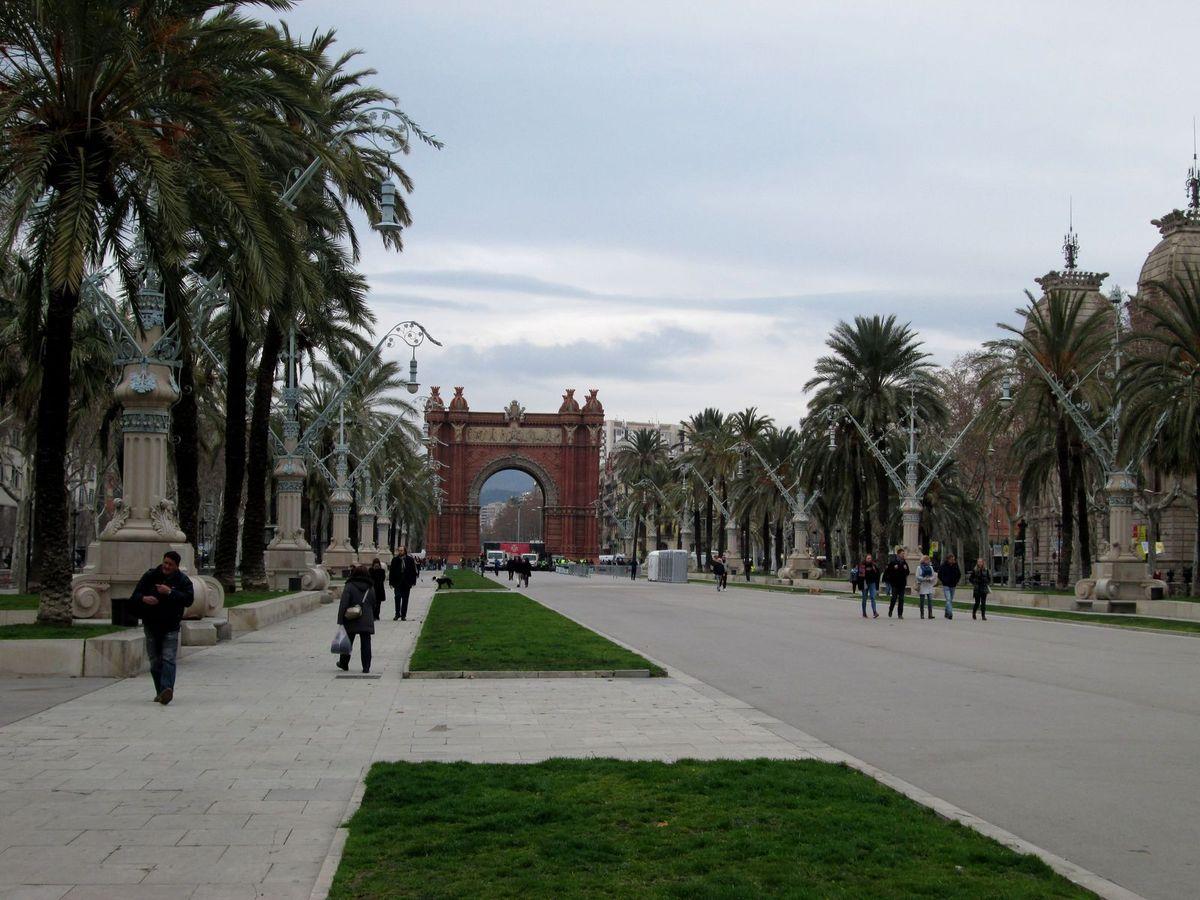 L'Arc de Triomphe de Barcelone, bâti en briques rouges, a été construit en 1888...
