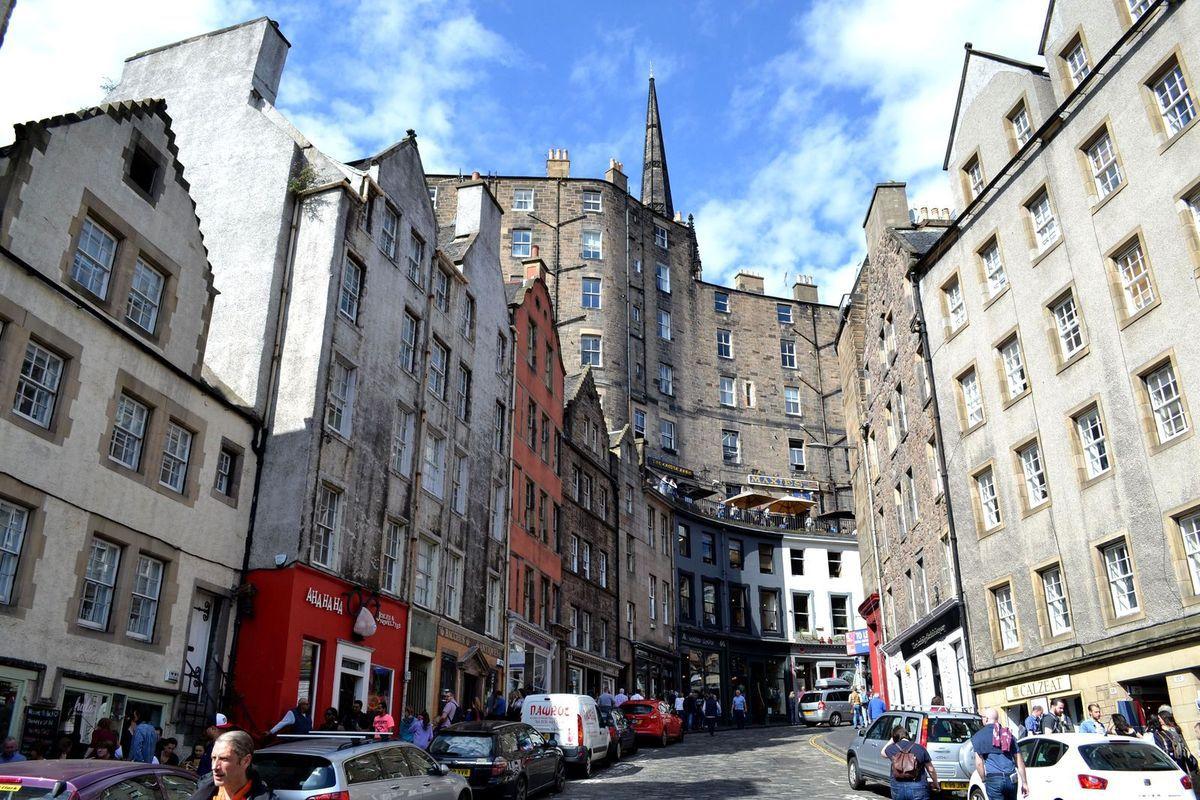Victoria Street à Edimbourg...