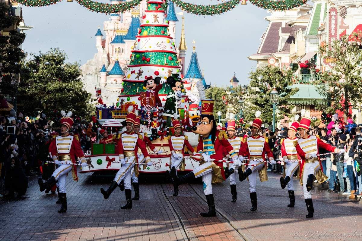 """Parade Disney """"Dingo"""""""