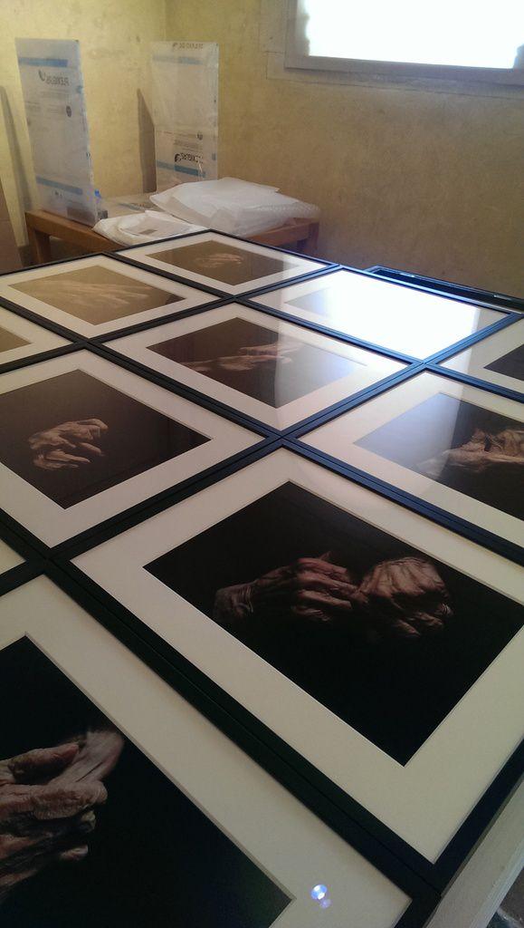 Les mains de Louise Bourgeois, photographiées par Alex Van Gelder, en attente...