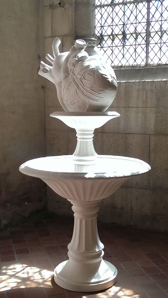 Fountain of Love (to mister JH Fragonard), white version – Sculpture en pierre de taille et résine – 2010/2011 - Courtesy de l'artiste et School Gallery/Olivier Castaing, Paris