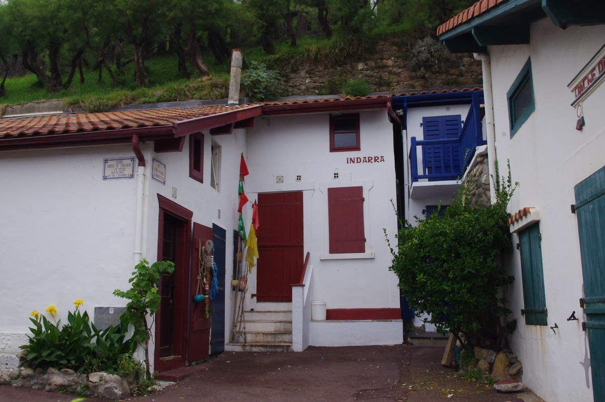 Petites maisons de pêcheurs basques.
