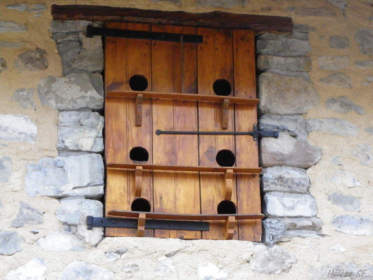 Balade authentique au cœur d'un vieux village du Champsaur Ancelle