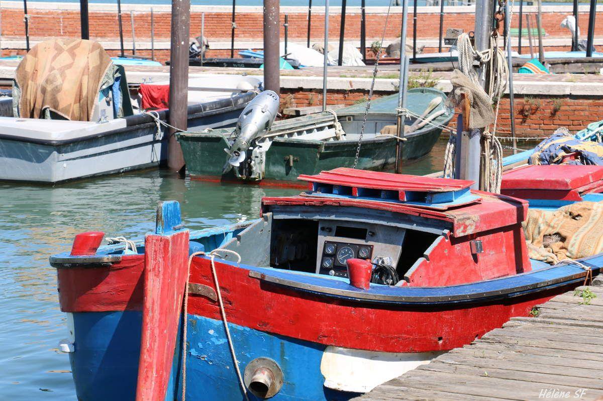 Le pittoresque petit port caché de Burano