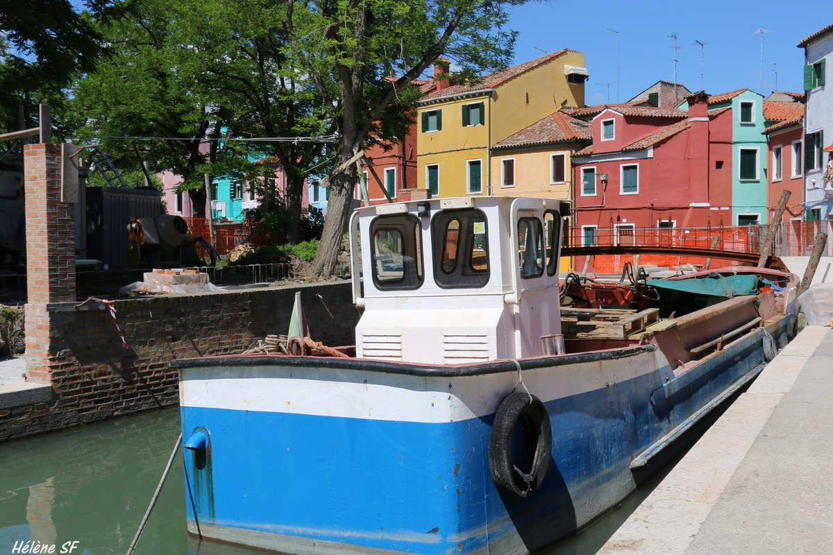 Collection de chalutiers et barques de pêche de Burano