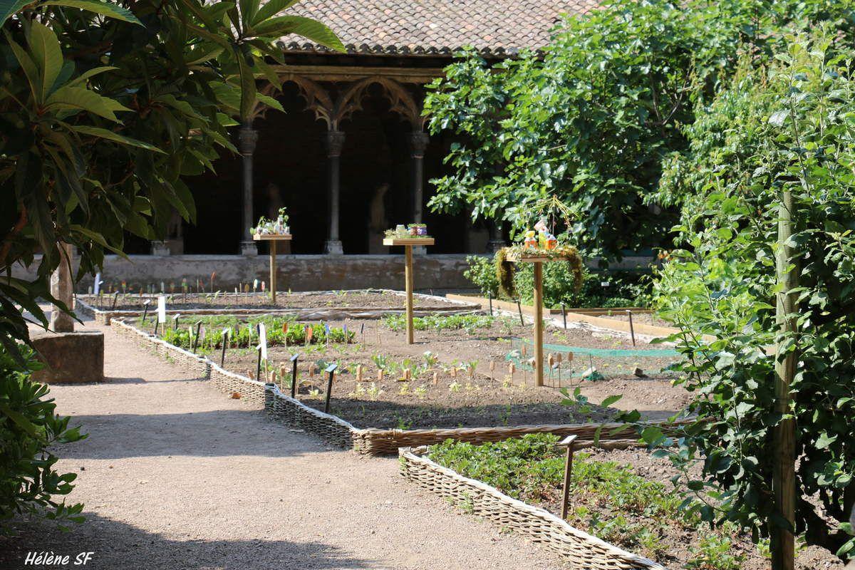 Toulouse le superbe couvent des Augustins