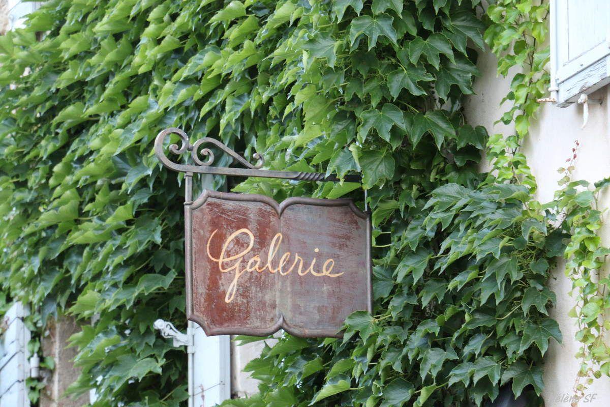 Lourmarin, village magique du Luberon