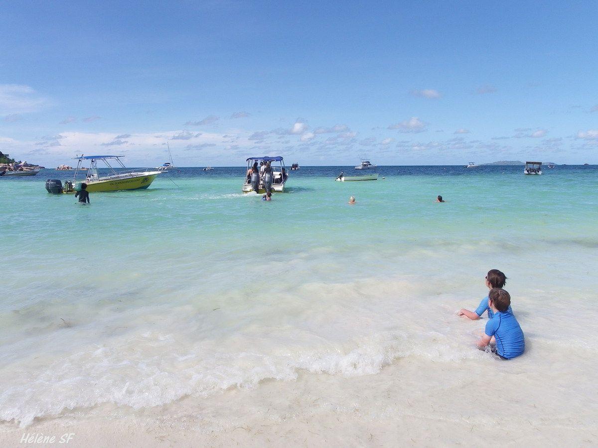 Aux Seychelles Anse Volbert et club de plongée