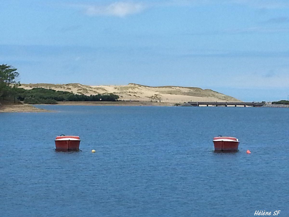 Le lac marin de Port d'Albret, superbes paysages, gens heureux et jolies barques!