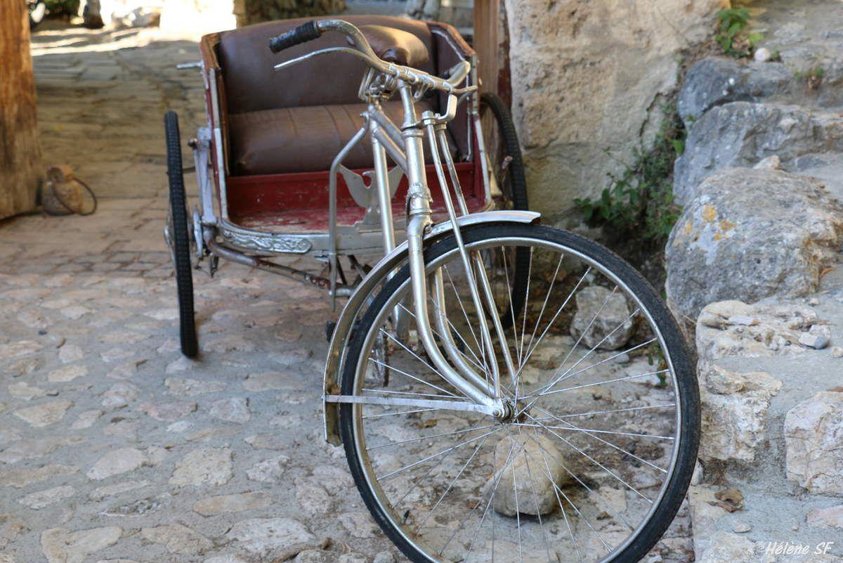 Découvrir le village typique de Moustiers-Sainte-Marie, des détails de charme à ne pas manquer!