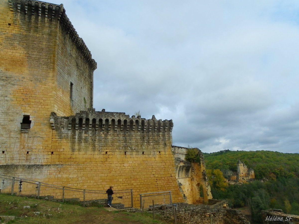 Balade au château de Commarque en Dordogne