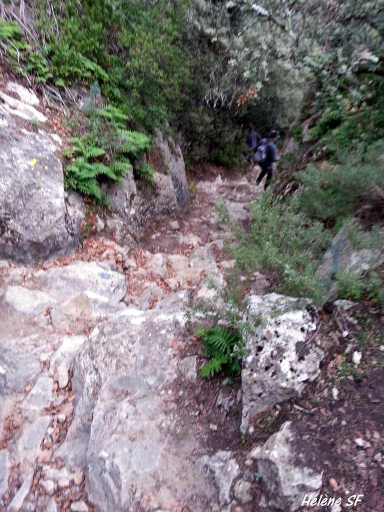 Depuis Jouques une superbe randonnée sur le plateau de Bèdes pour voir des bories et la Chapelle Notre Dame de Consolation