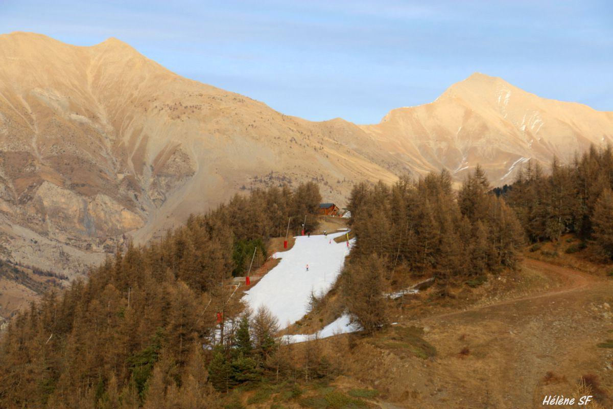 Ancelle: Magnifique et facile randonnée de 11 km pour faire au départ du village une boucle par la route du Collet, la tour Philippe et Moissières