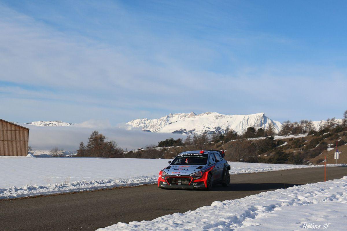 Ancelle spéciale du rallye de Monte-Carlo mes photos des voitures en course