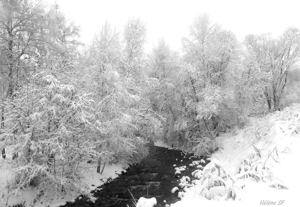 Ancelle: Paysages de neige le long du torrent, balade le long de la Rouanne