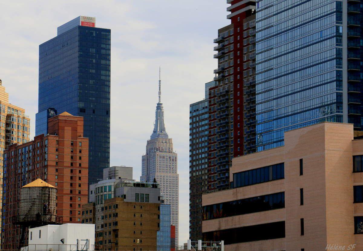 L'Empire State Building, vu du pont de l'Intrepid. L'inverse est également possible.