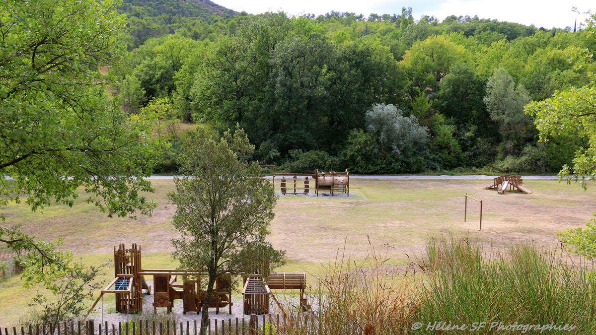 Randonnée facile de 2 heures au départ du village de Mirabeau dans le Luberon