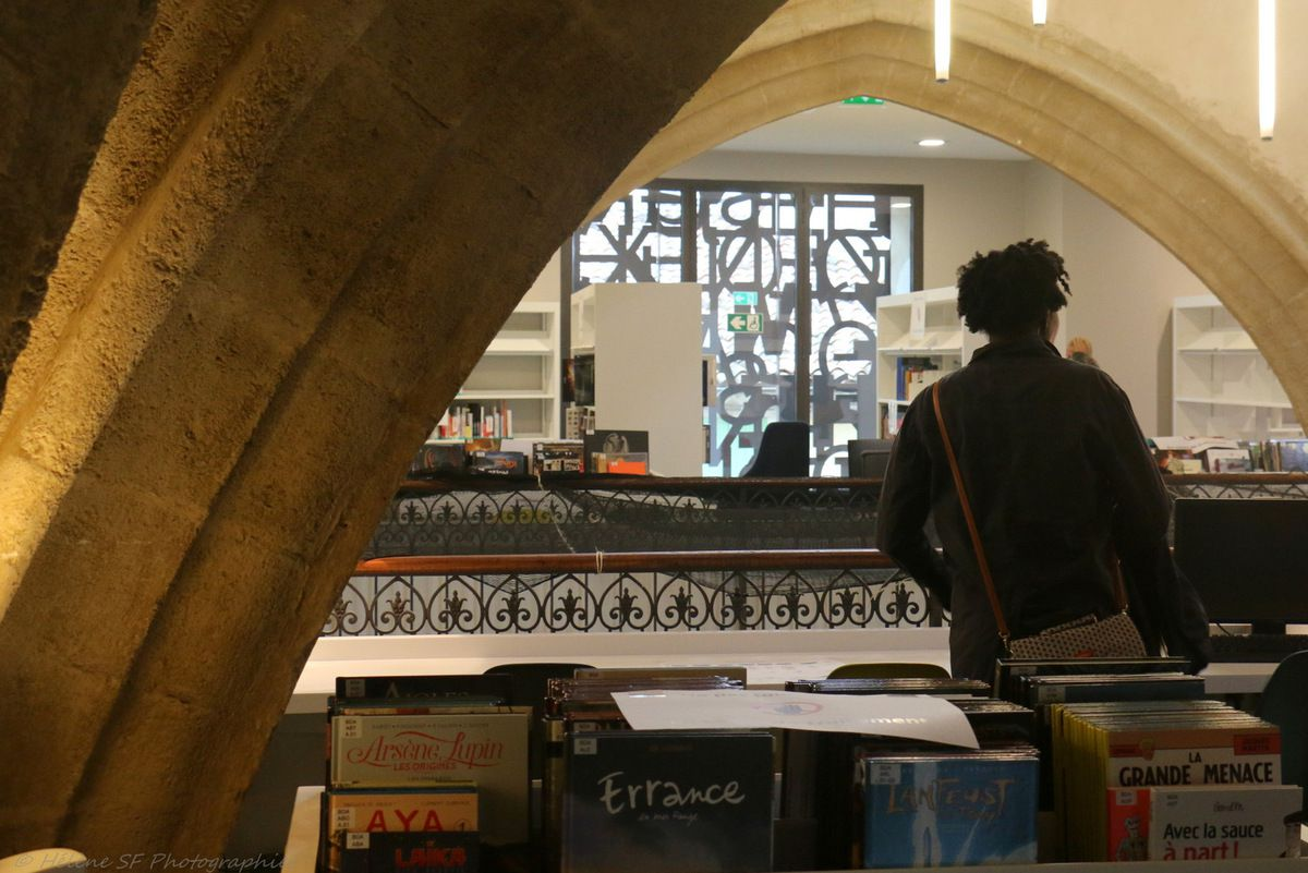 Visite de charme en Luberon: la nouvelle médiathèque de Pertuis dans l'ancien couvent des Carmes