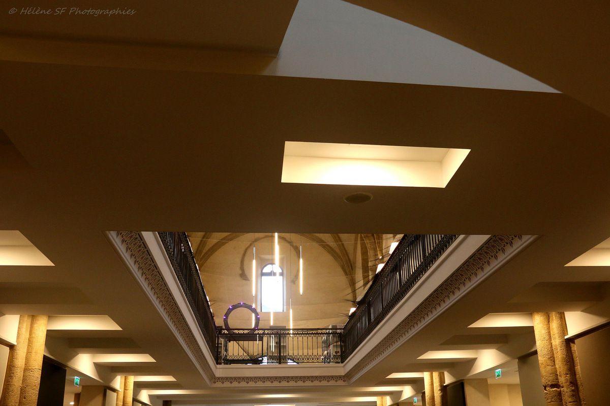 Visite De Charme En Luberon La Nouvelle M Diath Que De Pertuis  # Bibliotheque Luberon