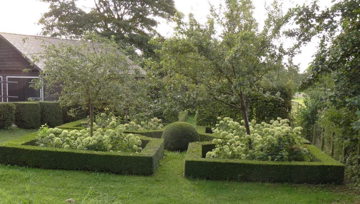 Jardin original mais manquant un peu de couleurs...
