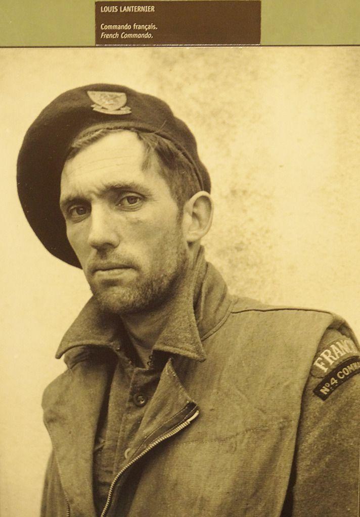 L'émouvante photo du Sergent Lanternier, Béret Vert, Fusilier Marin, appartenant à la seule unité française à avoir débarqué le 6 juin. Photo prise deux jours après la bataille de Ouistreham.