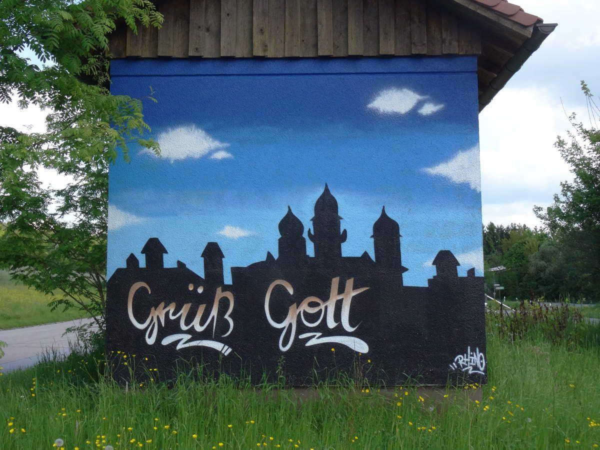 Accueillis à Passau par un beau panneau de Street Art.