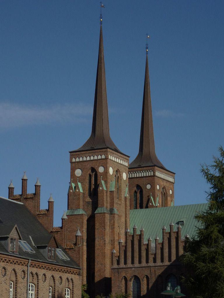 Les flèches de la cathédrale, terminée au 13ème siècle.
