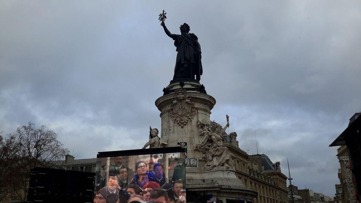 Place de la République en mémoire des 149 victimes du terrorisme en France