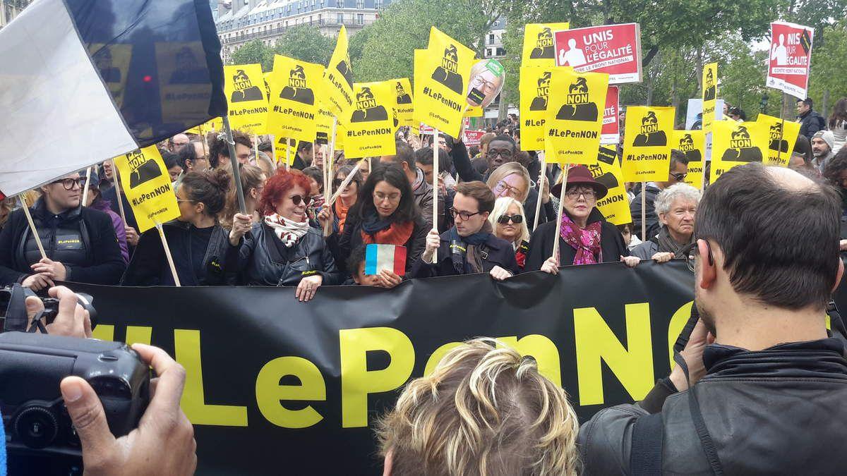 Les photos du jour : premier mai à Paris