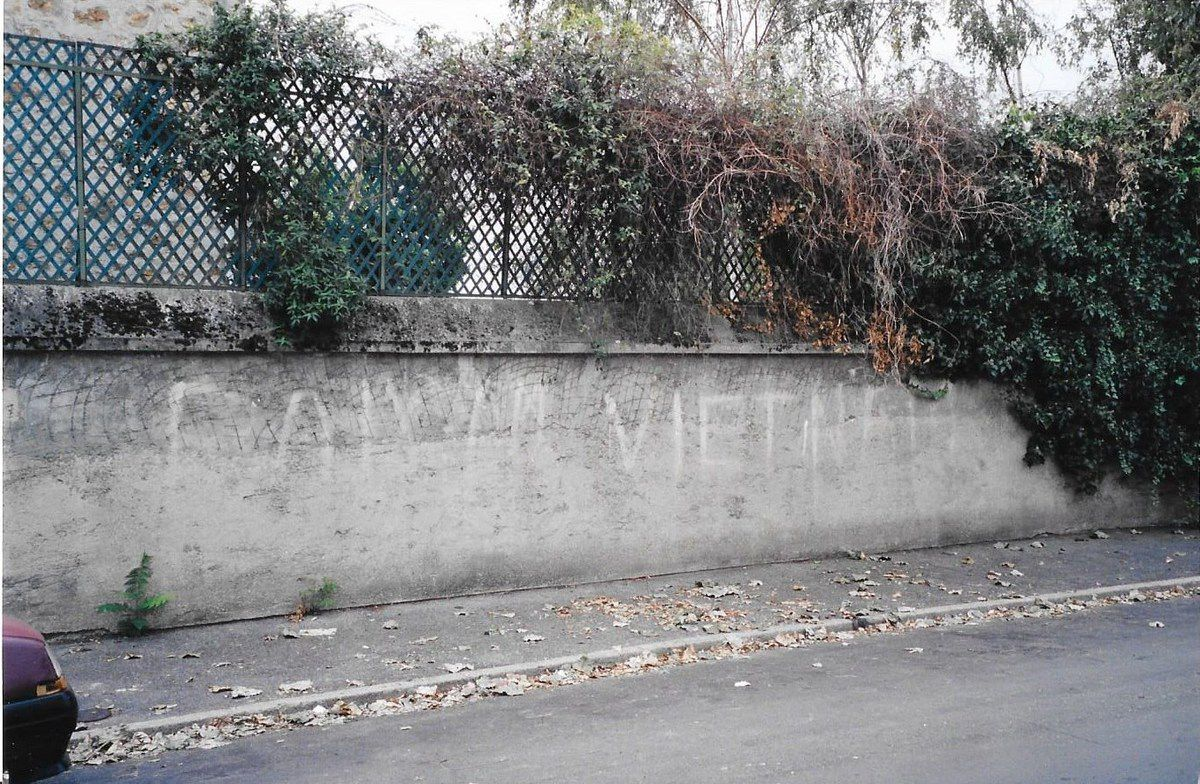 PAIX AU VIETNAM  Inscriptions des années 1960-1970 ( Saint Maur des Fossés, 1999 et Champigny sur Marne, 2001, Val de Marne)