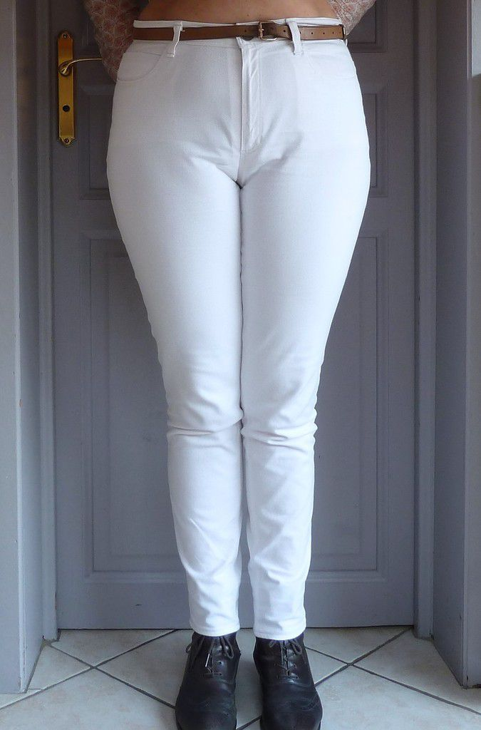 Taille 14 (=44)  Jean blanc Papi Tissus
