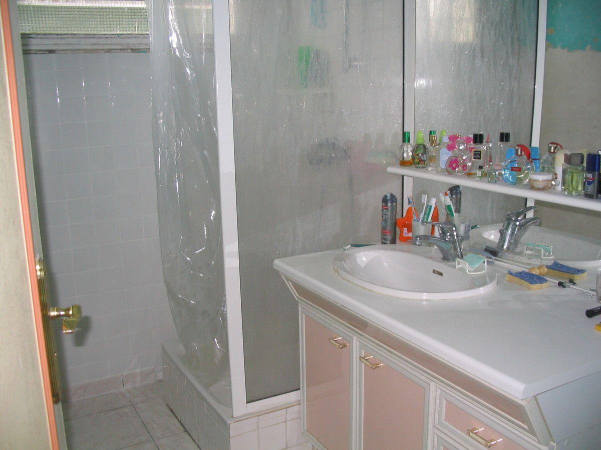avant/après: salle de bain gris et rose fushia, douche à l ... - Salle De Bain Gris Et Fushia