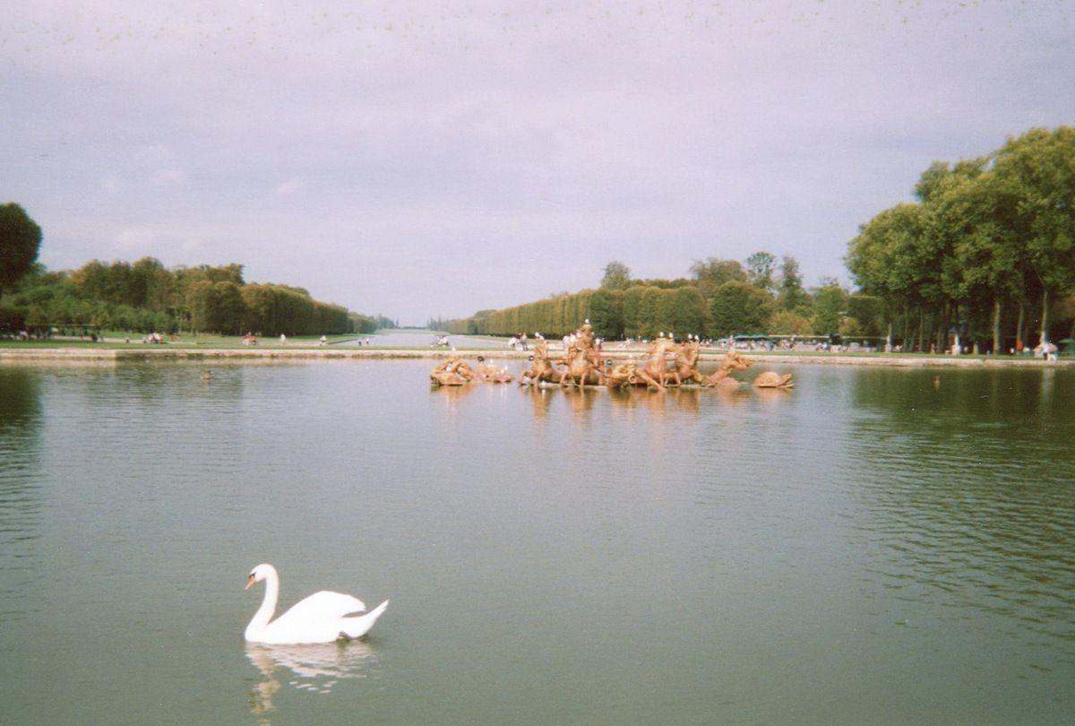 Le Bassin du Char d'Apollon à Versailles... face au Grand Canal.