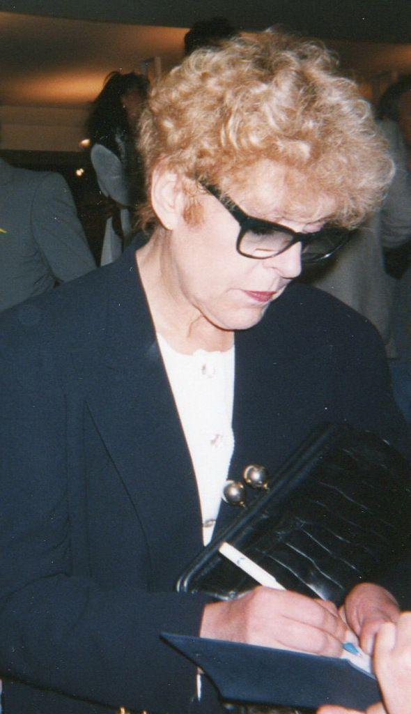 Mai 1995 : Sylvie Joly au Festival de Cannes sous l'objectif de l'Halluinois Daniel Delafosse.