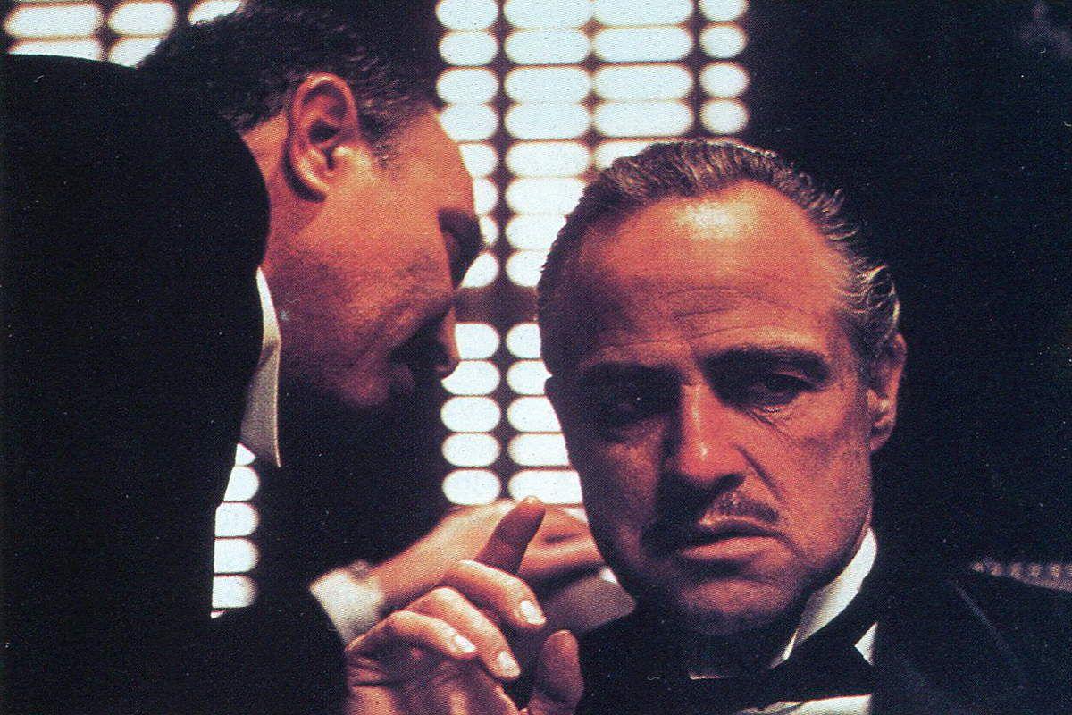 Marlon Brando dans le film Le Parrain de Coppola.