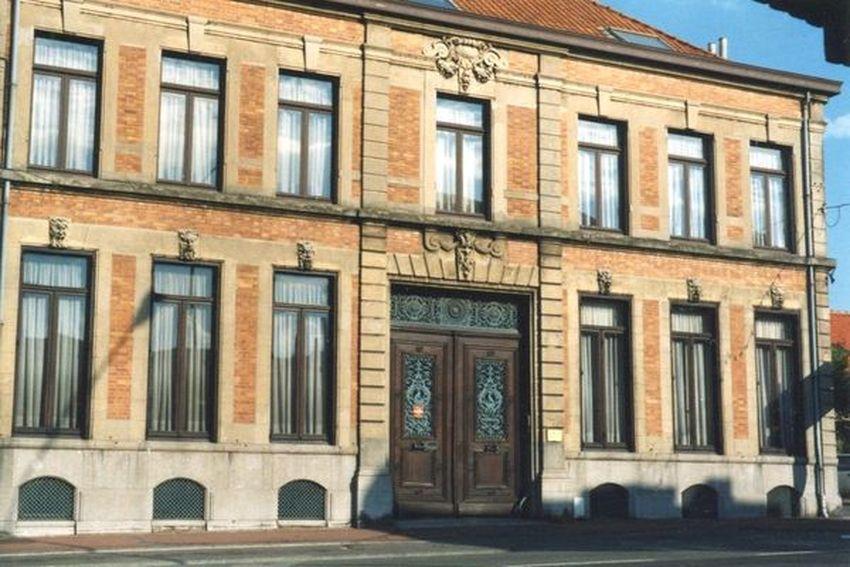 Ancienne Habitation Lemaitre et ancien cabinet dentaire Lion, rue de Lille Halluin - septembre 1989.