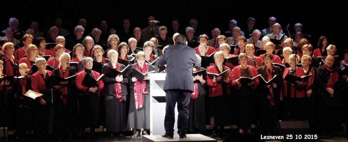 Merci à Danielle, spectatrice, qui a accepté de prendre les photos pour le compte de la chorale de la Côte des Légendes.