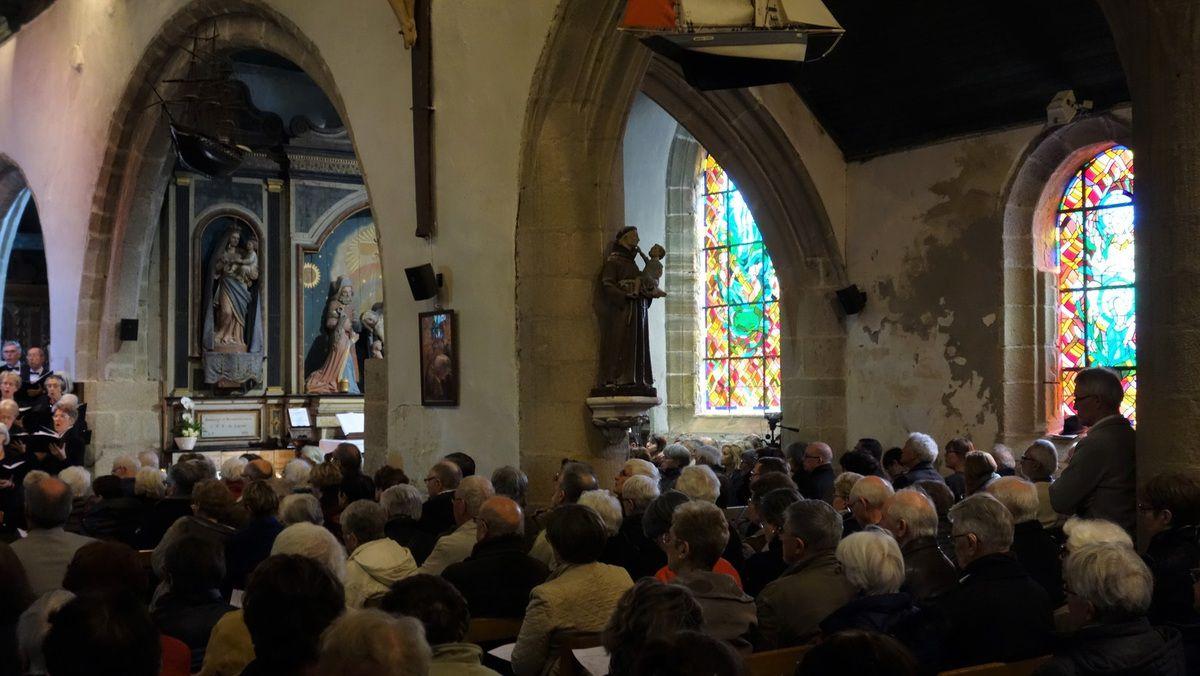Les photos qui nous ont été adressées par la chorale de LARMOR PLAGE que nous remercions chaleureusement.