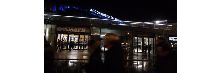 L'entrée du concert au Palais omnisport de Bercy