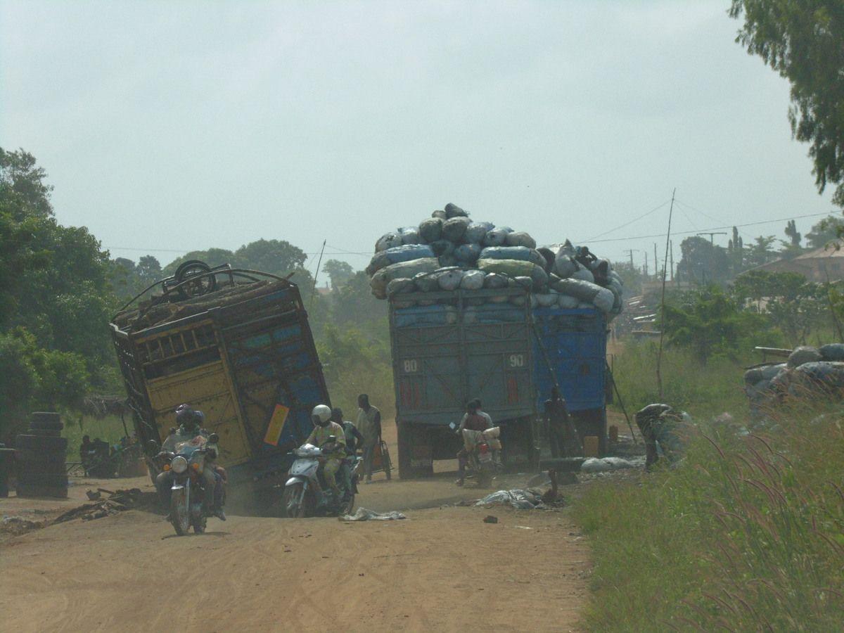 descente nord-sud du Bénin par les pistes, Cotonou avant de remonter sud-nord et passer au Burkina