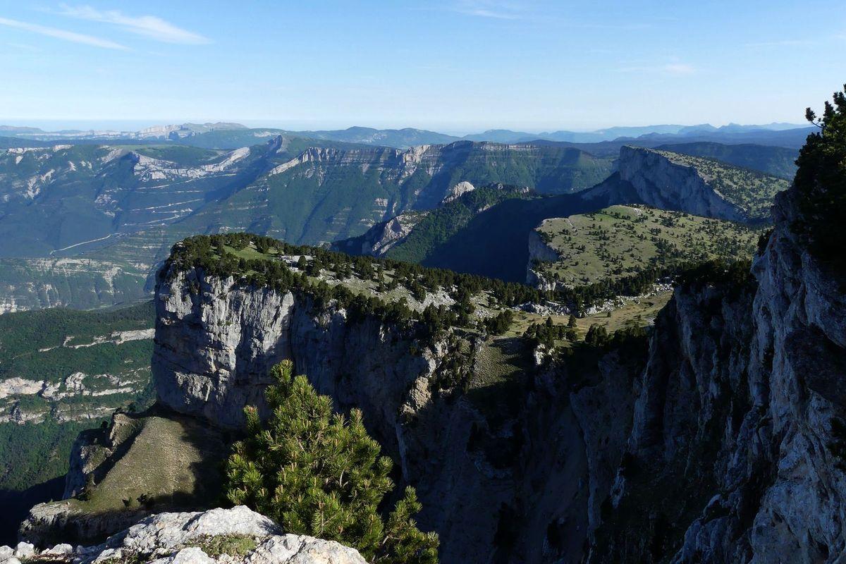 3 Jours sur les Hauts Plateaux J3 : Rocher des Heures - Romeyer (via Roc de Peyrole)