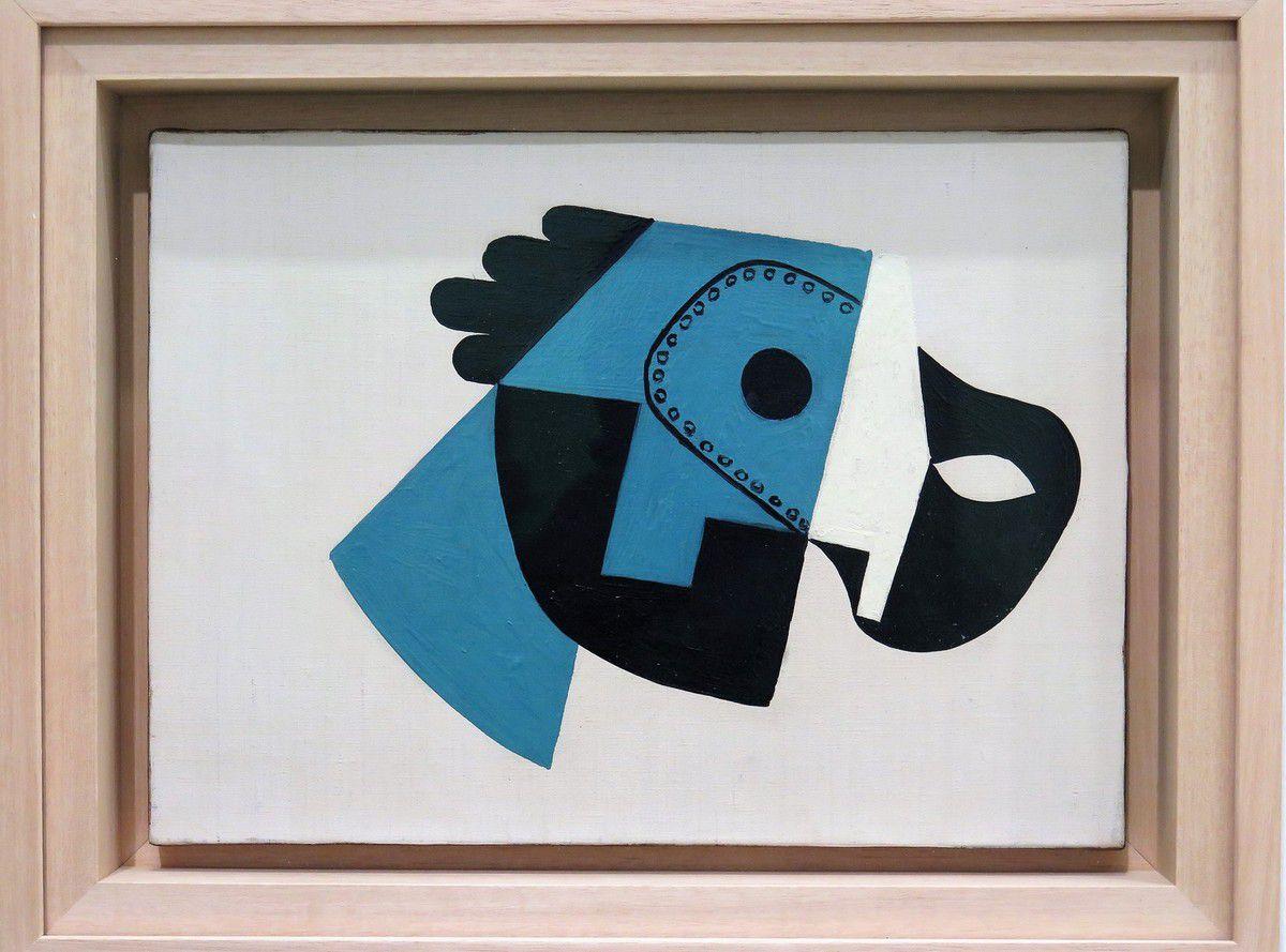 Composition avec masque et gant 1923