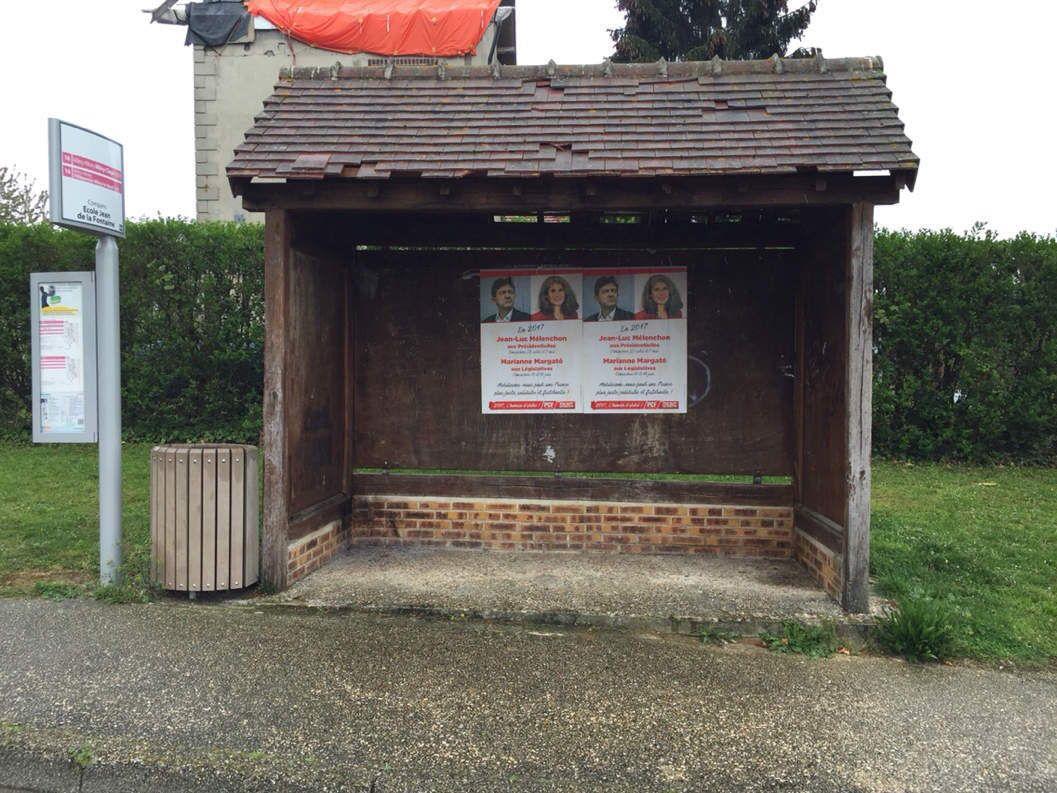 Deux poids, deux mesures : affiches retirées par la commune, d'autres non ;-) !
