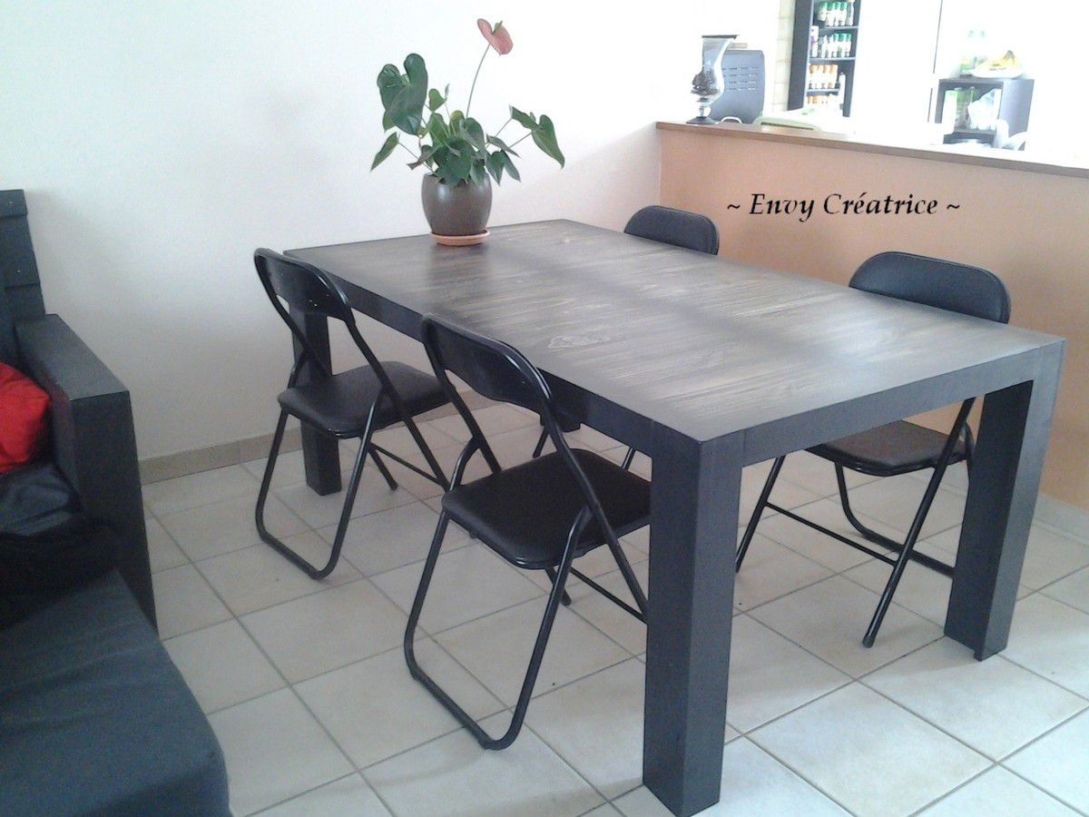 Perfect table de salle manger en bois de palette with for Meuble de salle a manger en palette