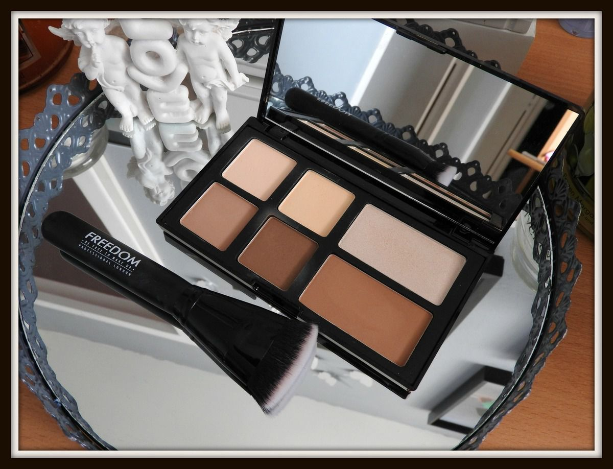 Pro Strobe Palette Freedom Makeup