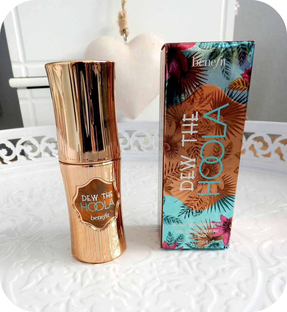 Dew the Hoola de chez Benefit