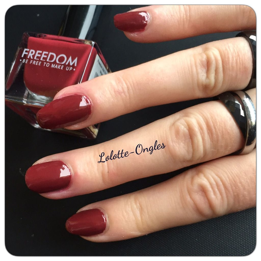 Swatch vernis à ongles Freedom 425