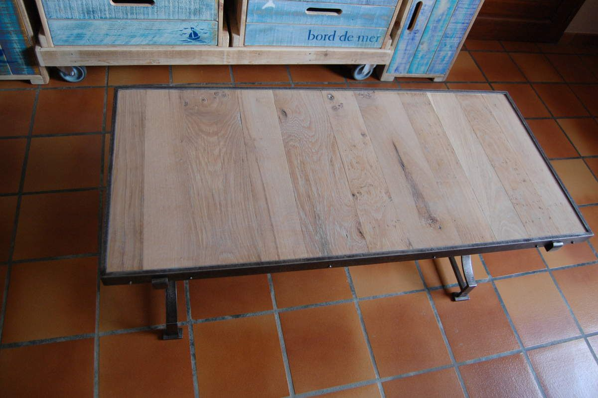 Les tables de salon en bois de palette meubles en bois for Table basse bois fer forge