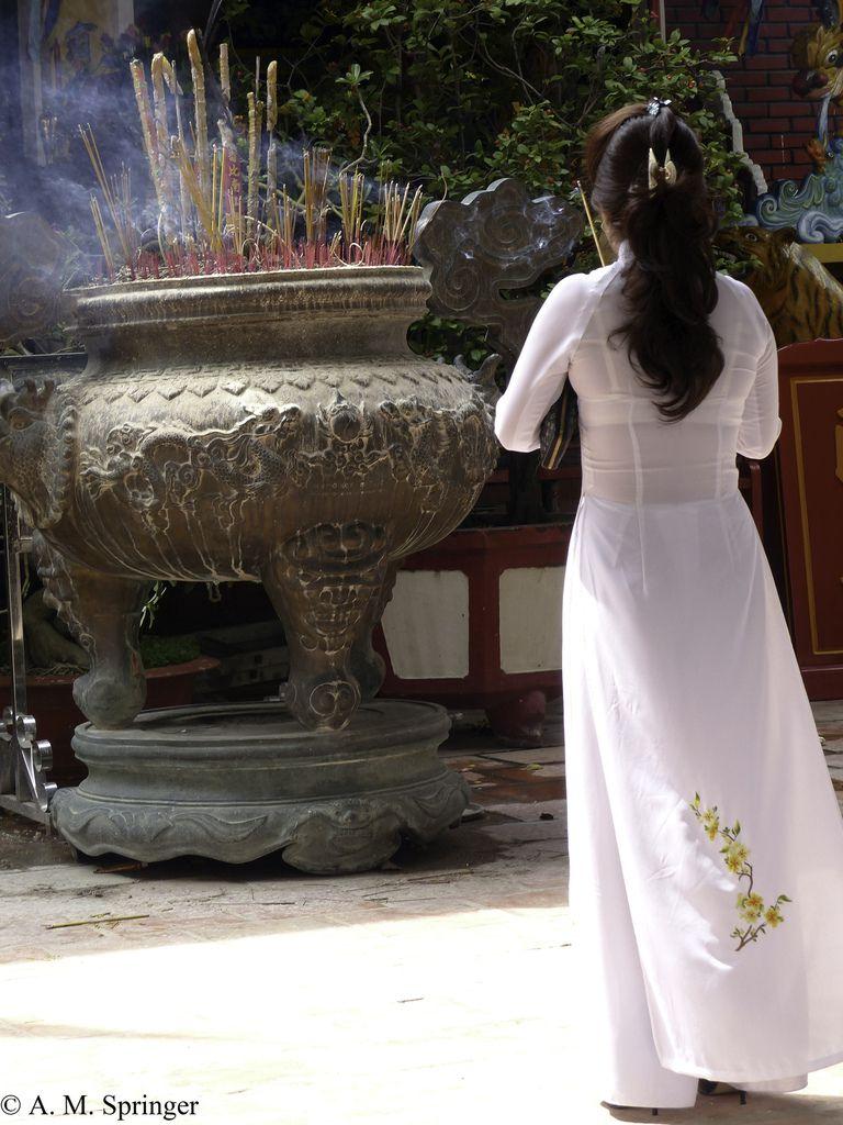VIETNAM : SAIGON - Le Festin du Commandeur.
