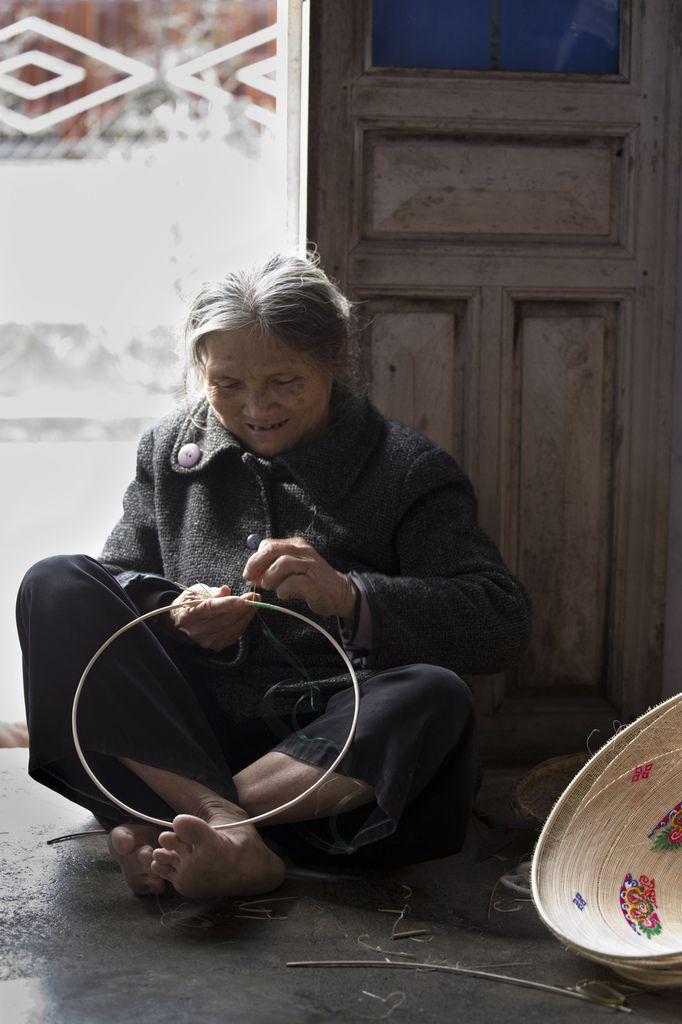 VIETNAM : CENTRE - Environs de Quy Nhơn - Turlututu Chapeau pointu